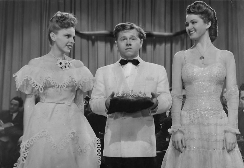 Judy-Garland-and-Mickey-Rooney-in-Girl-Crazy