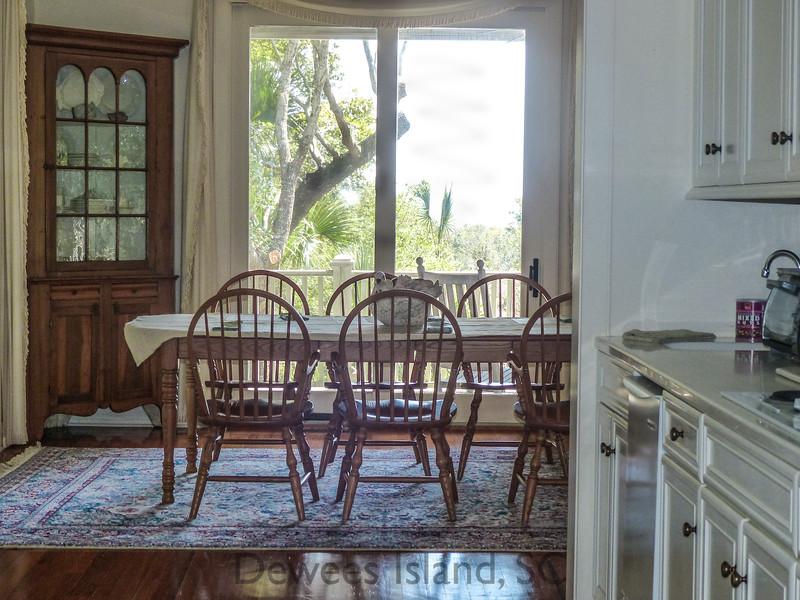 239 Pelican kitchen table