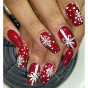 festive and easy christmas nail