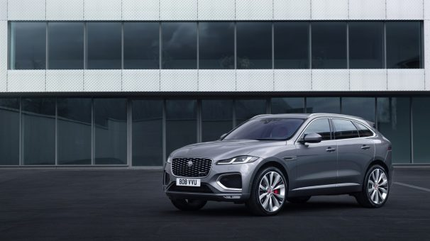 Jag_F-PACE_21MY_Location_Static_05_Front_3qtr_150920