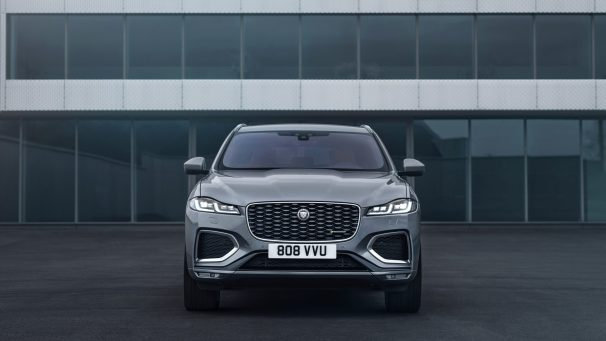 Jag_F-PACE_21MY_Location_Static_06_Front_150920