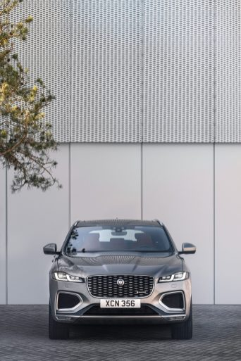 Jag_F-PACE_21MY_Location_Static_14_Front_150920