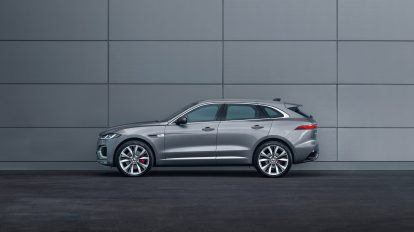 Jag_F-PACE_21MY_Location_Static_15_Side_150920