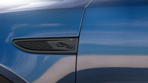 Jag_E-PACE_21MY_Exterior_281020_007
