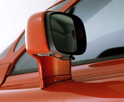 7255_Volvo_SCC_Safety_Concept_Car_2001