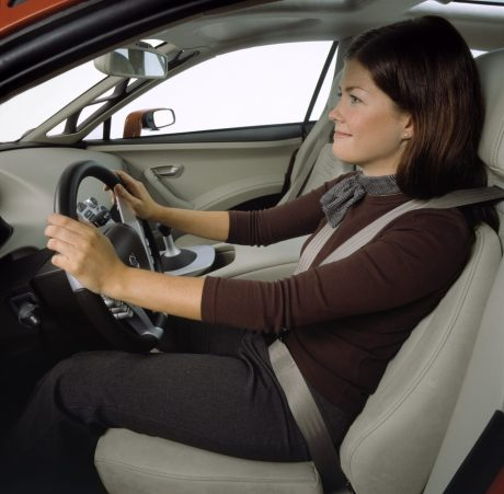 7261_Volvo_SCC_Safety_Concept_Car_2001