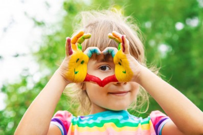 children-hands-colors-summer-photo-selective-focus_73944-499