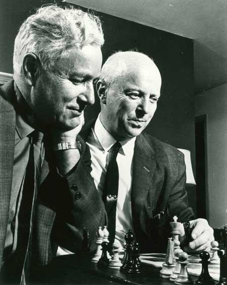 Arpad Elo y Fred Cramer