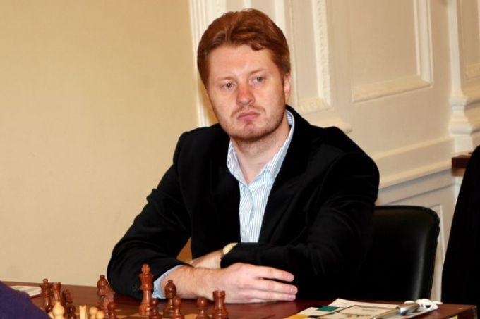 Gran Maestro Vladimir potkin Entrenador de Ian Nepomniachtchi