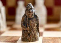 Un Anticuario Compró una Pieza de Ajedrez Medieval por 5 Libras y resulta que vale 1 Millón