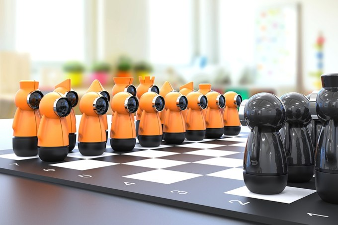 juego de ajedrez Illuminis, diseñado por Bülent Ünal