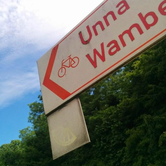 Verblichenes Schild in Deutschland - niederländische Radverkehrsnetz