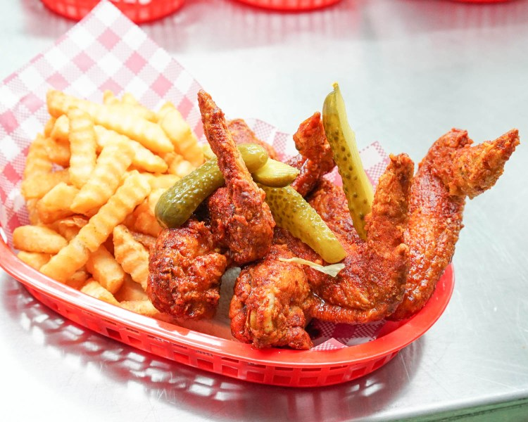 belles-hot-chicken-barangaroo-14
