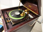 A working, mechanical Edison record player!