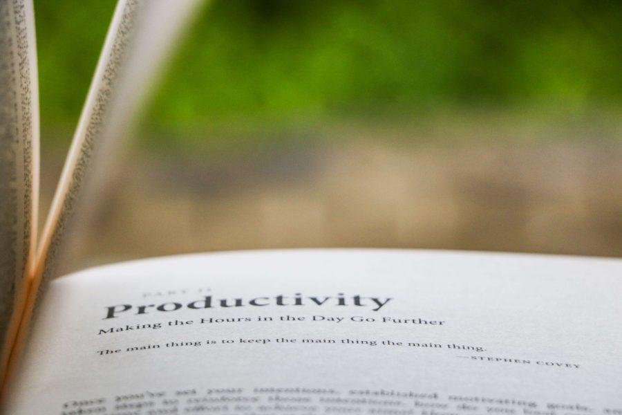 Productivité :Comment avoir 2x plus de temps pour toi et tes proches - en travaillant moins, ou en tout cas, plus efficacement grâce à ces 5 tips pour être plus productive ! #productivity