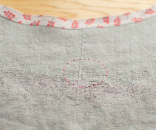 Embroidery on linen at jujuvail.com