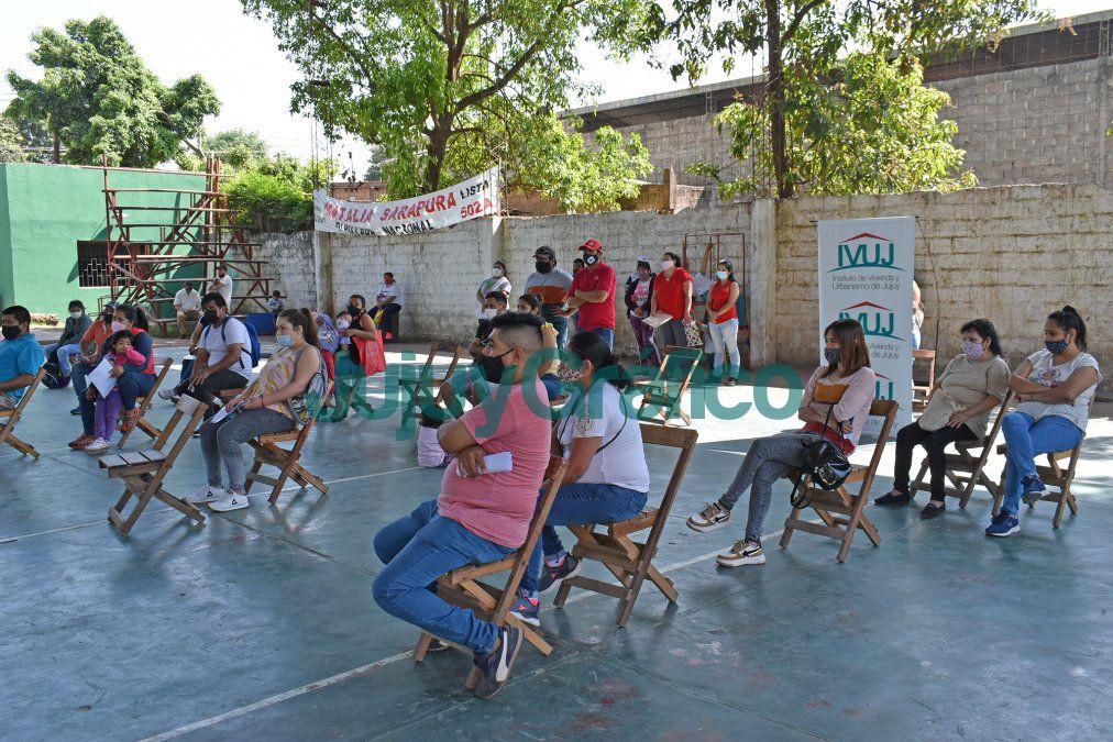 En Caimancito avanza la construccion de 50 viviendas del IVUJ 3