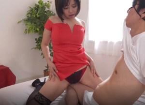 【赤瀬尚子】超肉食系セレブ妻が、チ●ポを食い漁り、ザーメン汁を喰い散らかす!
