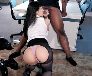 【星奈あい】人妻黒人NTR!黒人部長の超極太黒光りチ●ポが、部下妻のGスポットへ直当てピストン!