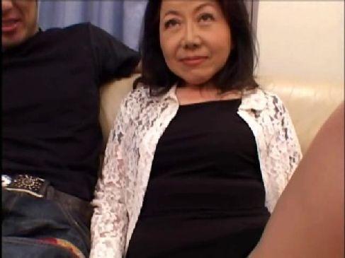 60歳になってもおめこが濡れる素人おばあさんが肉欲性交してるオバチャンノ-パン