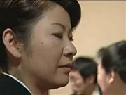 jukujyoおばはん老婆のおばさんの陰核でセックスする喪服の未亡人の動画像無料