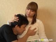 超爆乳美熟女妻が夫を豊満な身体で癒すjyukujo動画