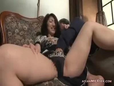 義兄との不倫セックスで痙攣イキしてる五十路美熟女のおばさんの動画