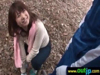 紅葉狩りに参加したら妖艶美熟女に誘惑されたjyukujo動画