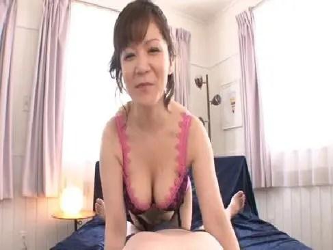 五十路熟女がセクシー下着で全身舐めプレイで肉棒から精子を吸い取るjyukujo50.com