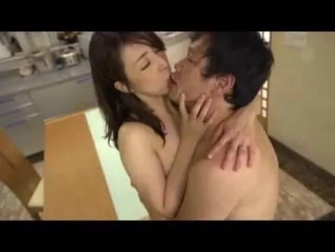 貞淑な美熟女妻がどんどん淫乱になり3Pまでしてしまう変態な日活 無料yu-tyubu田舎