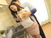 巨乳で巨尻なAV女優松下紗栄子のセックスが満載の熟女動画