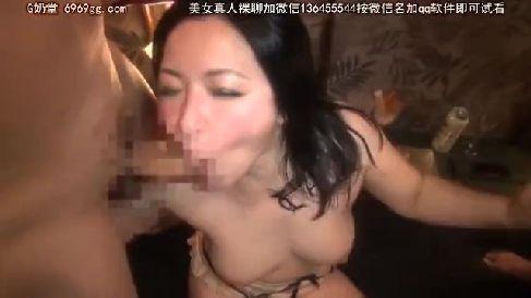 清楚系な四十路のぽっちゃり熟女がAV初撮りでドスケベに乱れる熟女セックス動画