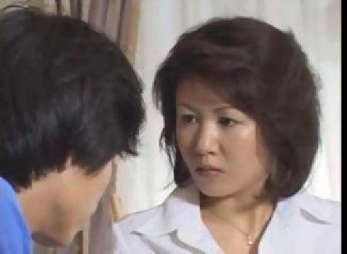 田舎に住む普通の還暦な主婦が母子相姦をしていけない関係に悶絶する60代動画画像無料