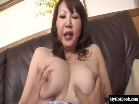 熟年カップルで性生活がない五十路豊満熟女が久しぶりの性交に膣を濡らし中出しされるjyukujo動画画像無料