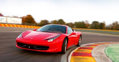 Ferrari, oplevelse Ferrari, oplevelses julegave, oplevelse gae, julegaven til ham