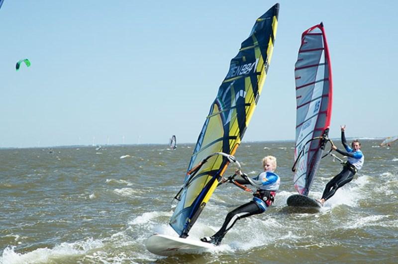 windsurfing-westwind-7, prøv vindsurfing, oplevelser på vandet, oplevelsesgaver på vandet, vindsurfings kursus, oplevelser gaver til børn,