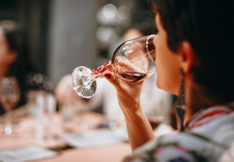 vinsmagning århus, vinsmagning aarhus, århus vinsmagning, oplevelsesgaver i Jylland, oplevelsesgaver i Århus, gaver til vin elskeren, gaver med vin, gode vin gaver