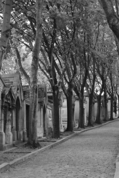 Père Lachaise Friedhof Ästhetik Friedhofsstimmung Mystischer Friedhof Pariser Chic Französisches Flair Detail Grabstein Gruft