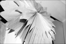 Sterne aus Papier basteln, DIY-Sterne, Sterne aus Papier selber machen, Weihnachtsstern aus Butterbrottüten