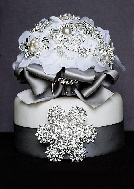 5 Imaginative Alternatives to Traditional Wedding Cake