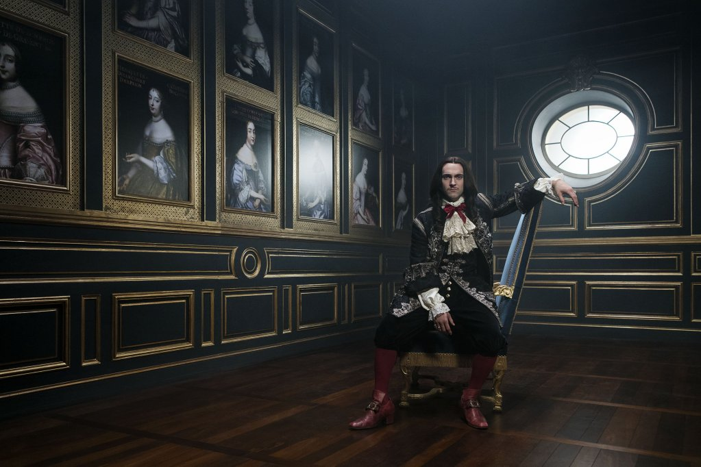 Versailles Series 2, episode 1 - The one where it's all in French