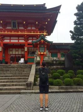 Verne photographing the entry gate at the Fushimini Inari temple