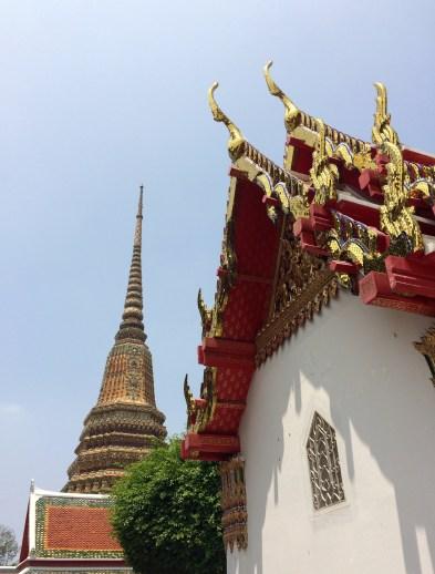 Its full name is somewhat hard to memorize: Wat Phra Chetuphon Vimolmangklararm Rajwaramahaviharn