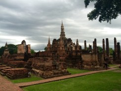 Overview of the temples in Sukhothai. The sky was about to fall on our heads!