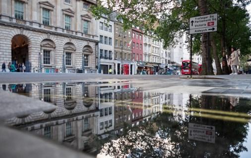 Rain often produces great photo opportunities, London, UK (16mm, 1/210s, f1.4, ISO 200)