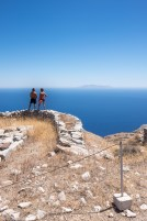 Walking over ancient ruins to enjoy the view sets a new benchmark for tourist idiocy (16mm, 1/450s, f8, ISO 200)