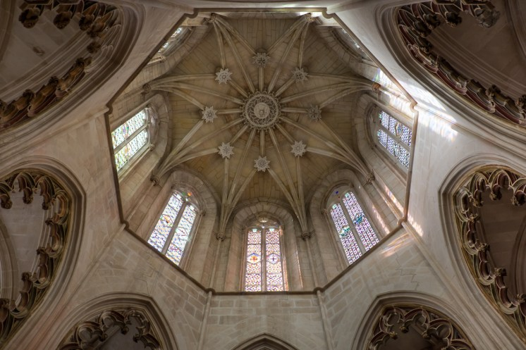 The ceiling of the Founder's Chapel at Batalha Monastery, Portugal (18mm, 1/80s, f3.5, ISO 200)