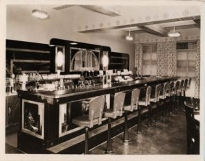 1930s soda fountain
