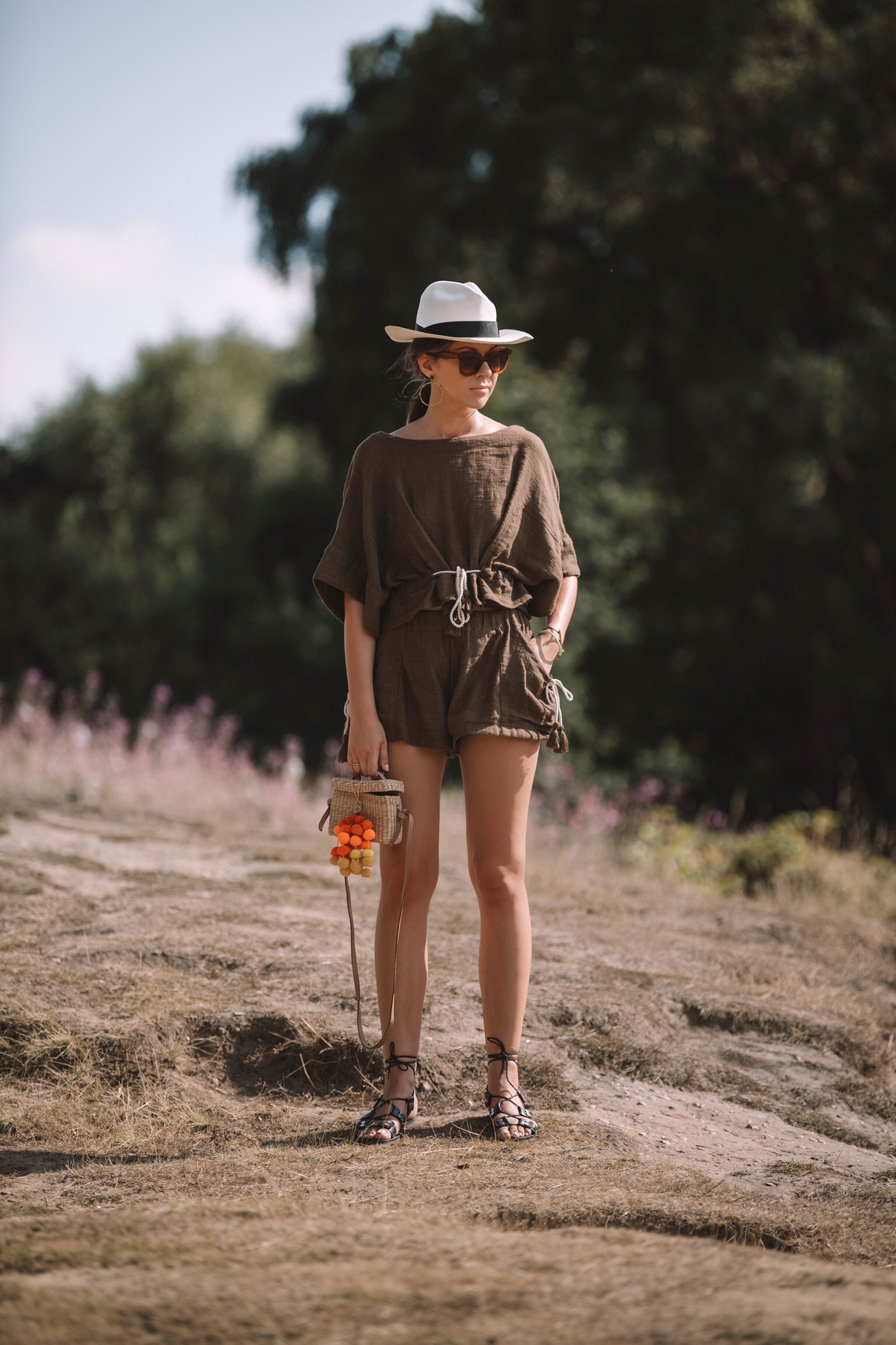 safari chic outfit