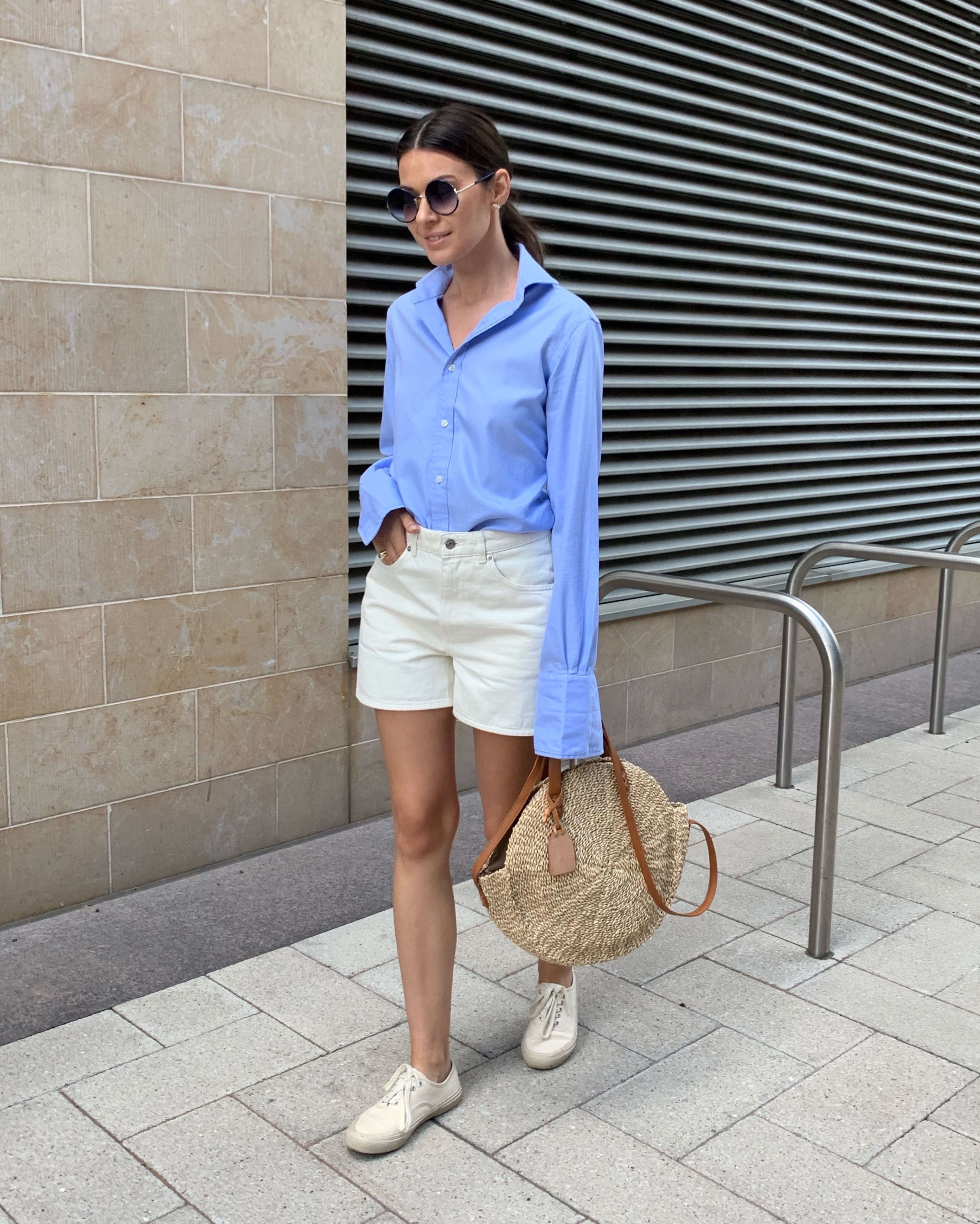 how to dress chic this summer